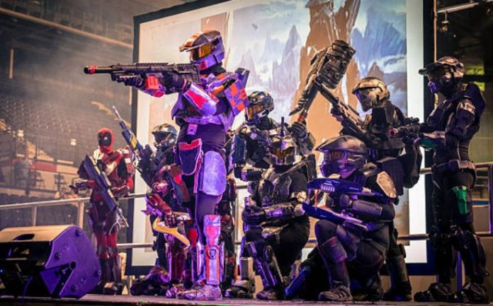 Halo & Halo 2: Online Action Gaming Brought To A New Level