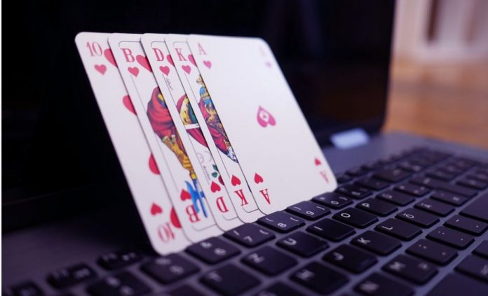 Playing Online Poker Games? Here Are Some Useful Tools