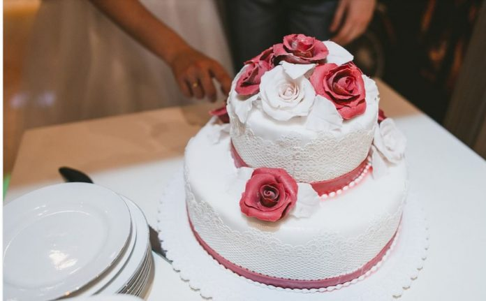 How To Choose A Fall Wedding Cake