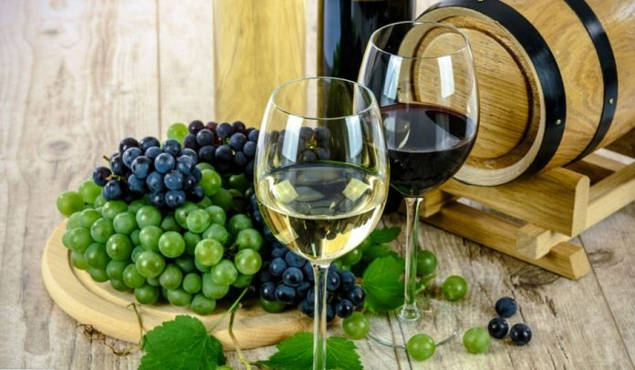 Fine Wine To Set The Right Mood Of Romance