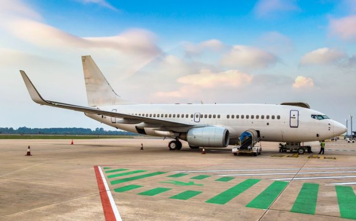 How To Save Money With Last Minute Airline Deals