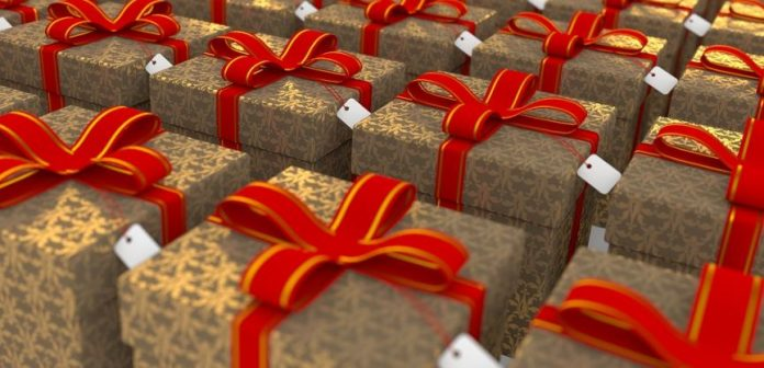 4 Great Gift-Wrapping Ideas For Everyone