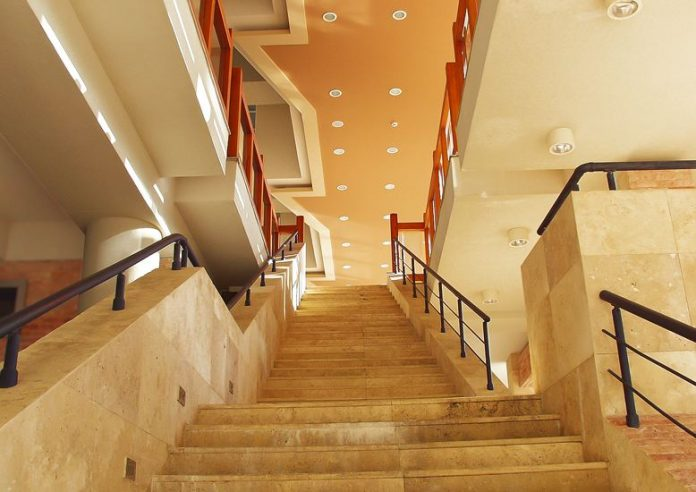 How To Recognize The Various Staircase Components In Homes