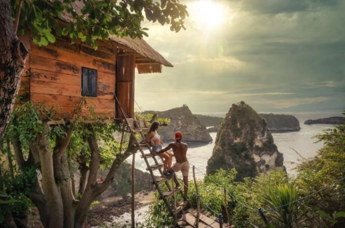 Choose A Different Type Of Holiday, Entertain Yourself In A Treehouse!
